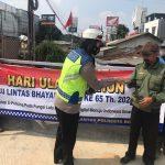 Pembagian Masker Kepada Masyarakat Kota Bogor Dalam Rangka Hari Lalu Lintas Bhayangkara Ke 65