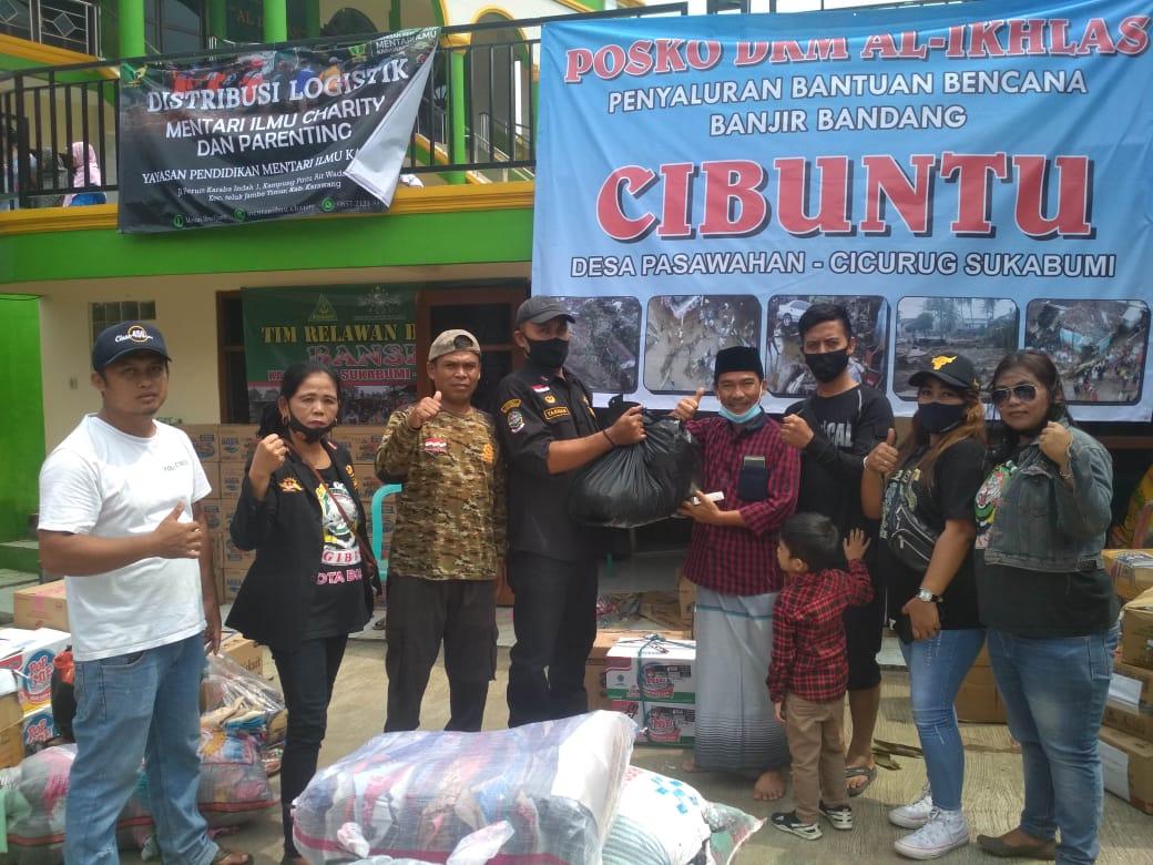 Ormas Gibas dan Komunitas Motor RS. PMI, Menyalurkan Donasi Kepada Korban Banjir Bandang