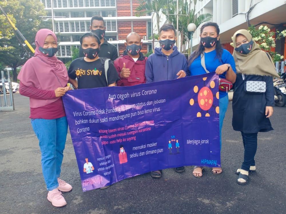 Peduli Wabah Covid-19, Komunitas Pemuda Papua dan Mahasiswa Manokwari Bagikan Masker dan Handsainitaizer