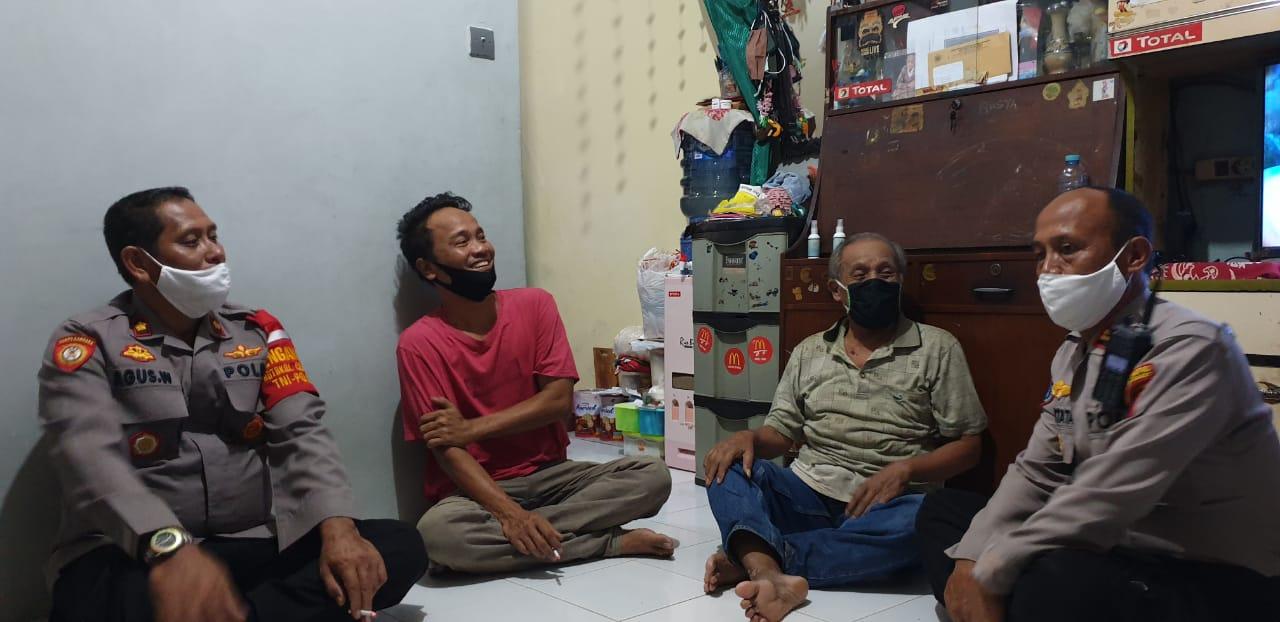 Jalin Silaturahmi Warganya, Ini Yang Dilakukan Kapolsek Palmerah