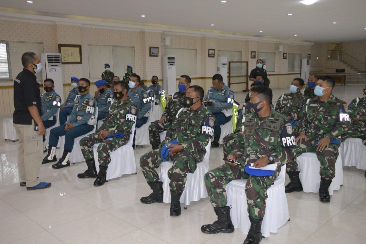 Respon Dinamika Teknologi Komunikasi Jajaran Polisi Militer Kolinlamil Berlatih Proskomtis